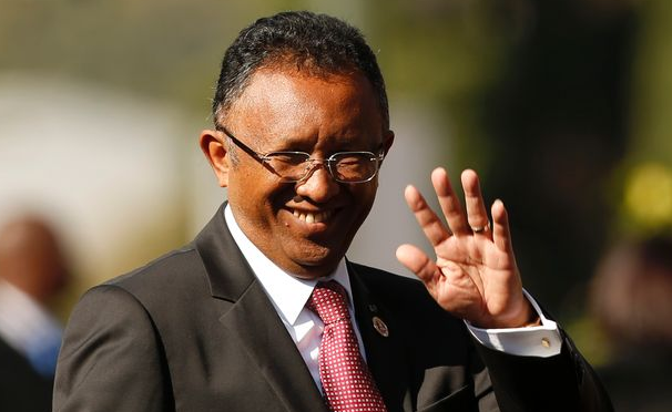 Madagascar's president names consensus cabinet, promises fair election