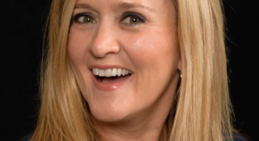 Humourist Samantha Bee Is Back On Television, Both Angry and Apologetic