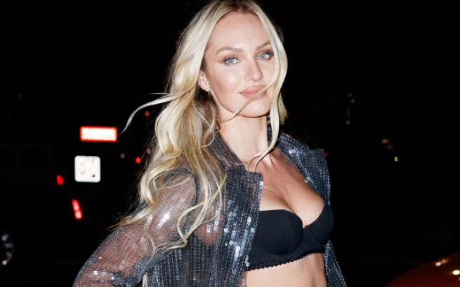 After giving birth Candice Swanepoel Flaunts her body in Thong Swimsuit