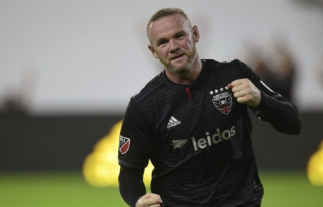 Watch: Wayne Rooney Scores His First MLS Goal, Breaks Nose in Win