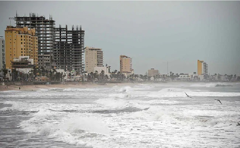 Extreme Powerful Hurricane Willa Approaches on Mexico's Pacific Coast