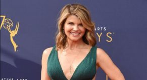In US College Admission Scandal, Actress Lori Loughlin Does Not Plead Guilty