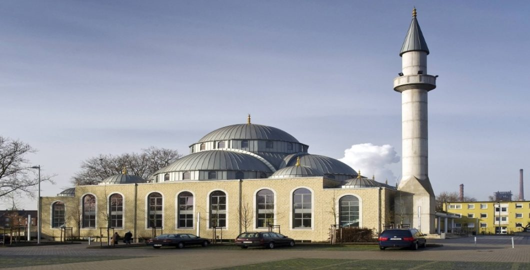 Three Mosques Evacuated Over Bomb Threats In Germany