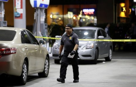 4 Died And 2 Wounded In Stabbing, Robbery Alleged Near Los Angeles