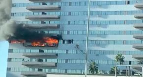 West LA High-Rise Building Caught Massive Fire, 13 Injured