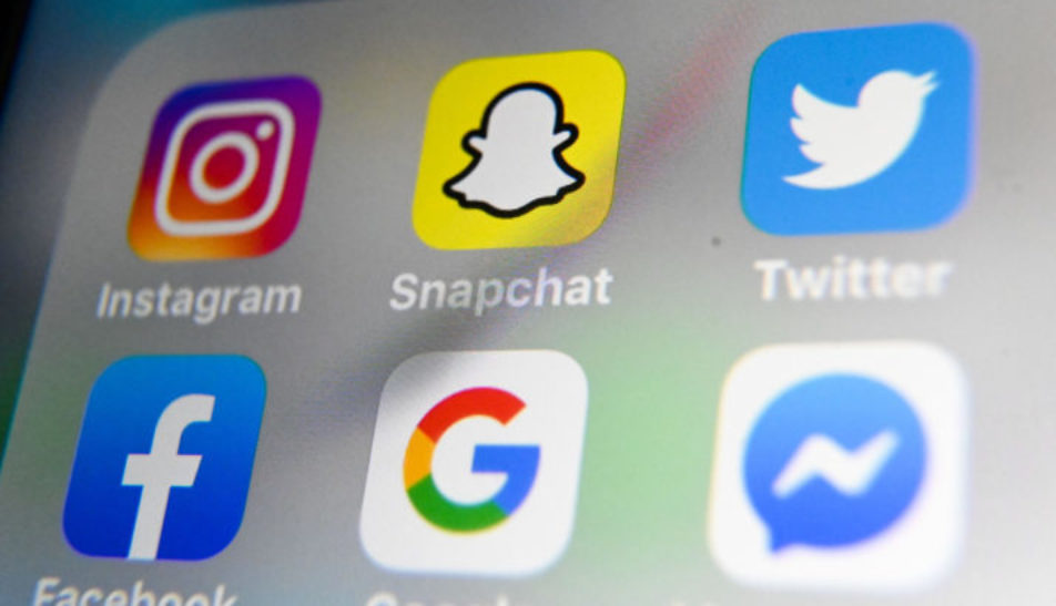 EU Advises Facebook, Google and Twitter to report monthly on misleading news